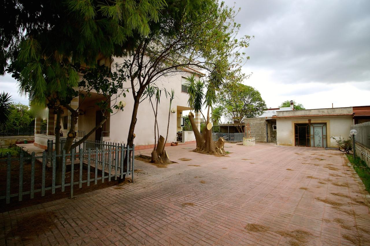 Talsano – Appartamento in villa con giardino
