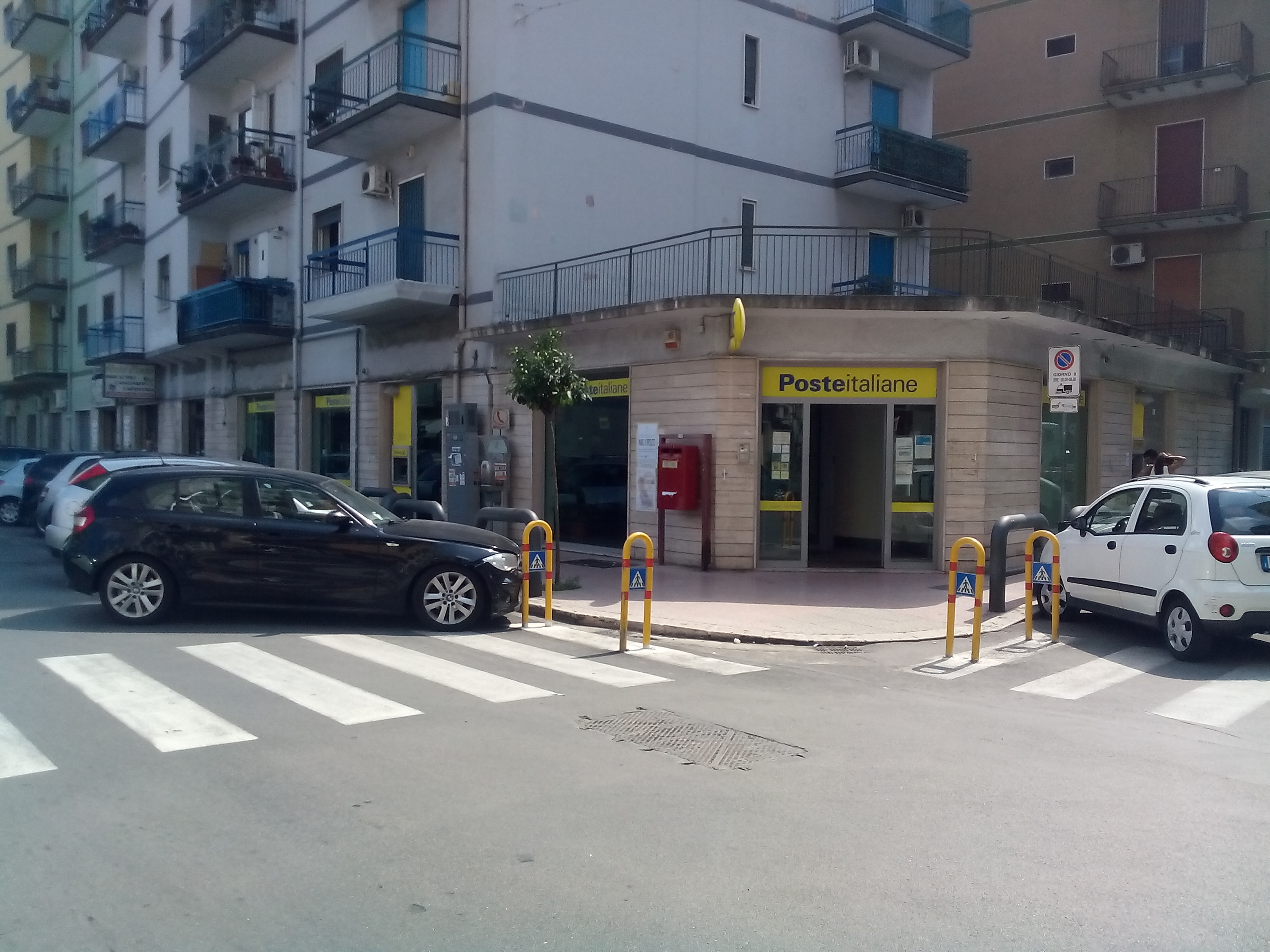 Taranto – Locale adibito a Poste Italiane