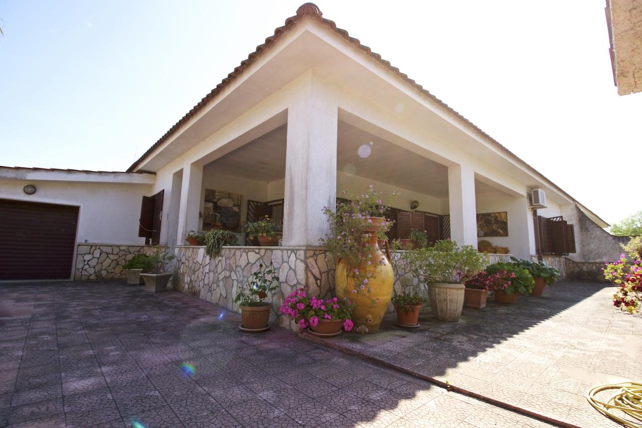 Pulsano – Luminosa villa indipendente