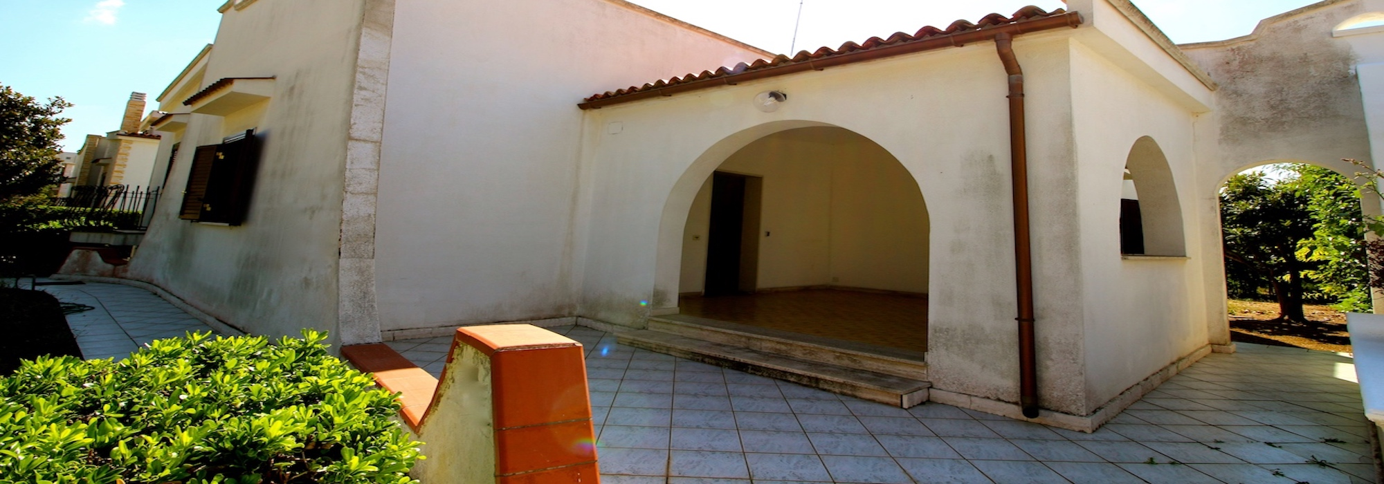 Lama – Villa con giardino e taverna